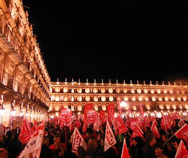 Protesters in Salamanca's Plaza Mayor
