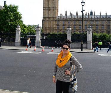 Jessica in Front of Big Ben.
