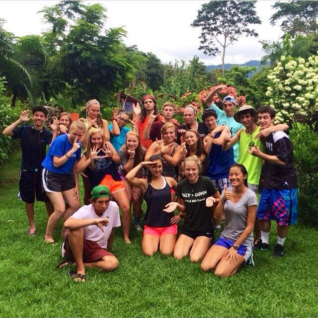 Teen volunteers in Costa Rica