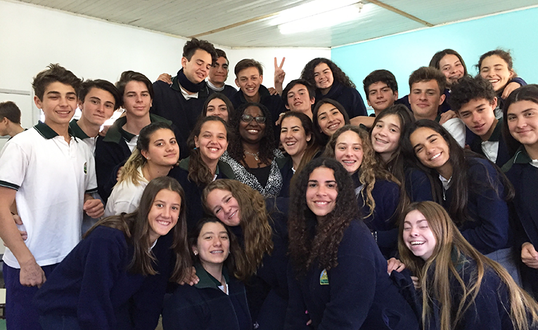 Volunteer and her students in Argentina