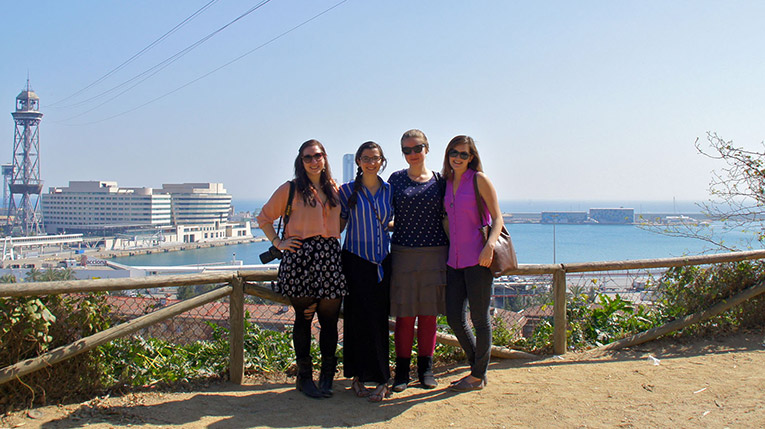 Study abroad students in Barcelona