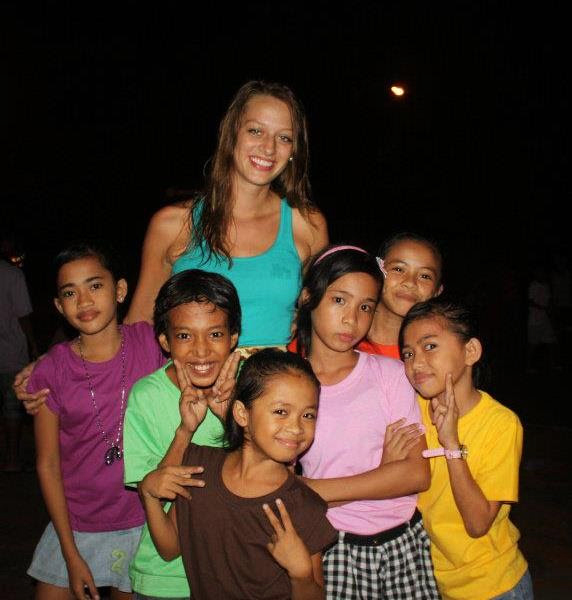 Volunteer dance teacher in the Philippines with local students