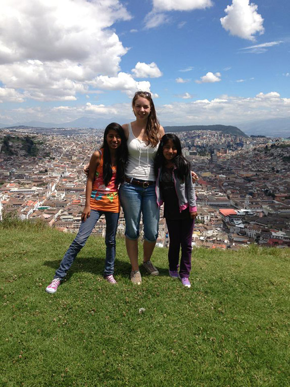 Volunteer in Ecuador with local teens