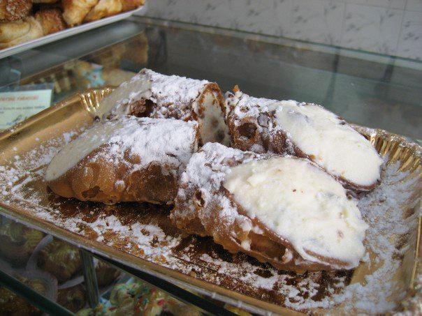Authentic Sicilian cannolis