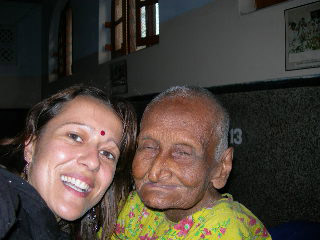 Volunteer at the Mother Teresa Hospice in Calcutta
