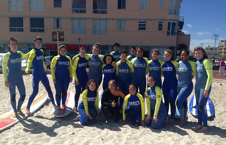 Surfing lesson sin South Africa