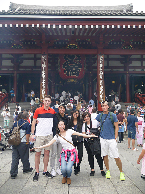 Study abroad students on a field trip in Japan