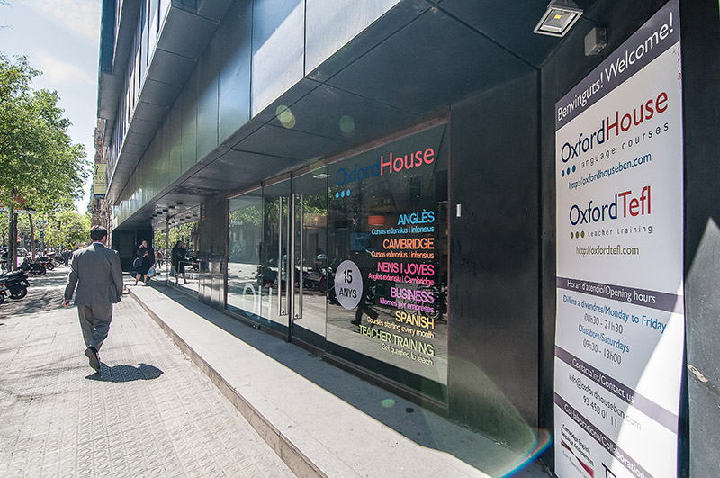 Oxford TEFL House entrance in the centre of Barcelona