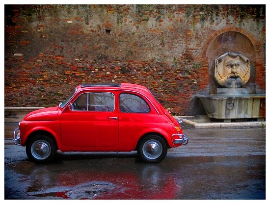 Piccolo Fiat rosso!