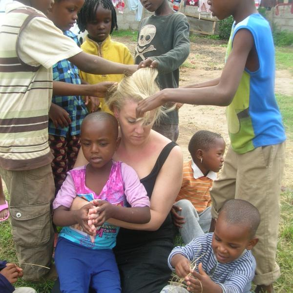 Volunteering with children in Tanzania