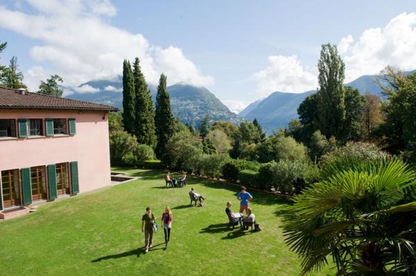 Franklin College Switzerland Kaletsch Campus Lawn