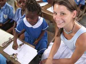 Teach Underprivileged Children in Ghana | travellersworldwide.com