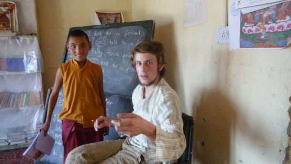HELP volunteer teaching in Ladakh