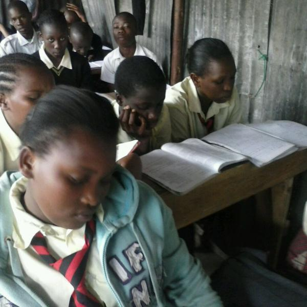 slum school volunteering in Kenya