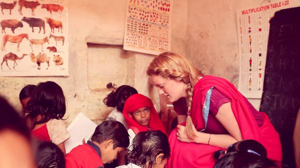 Volunteer as a teacher in India with IVHQ