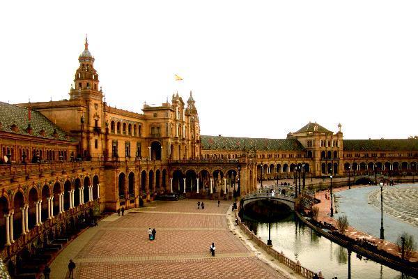 beautiful plaza de espana in seville spain