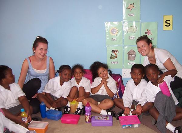 Teach Children in Cape Town, South Africa | travellersworldwide.com