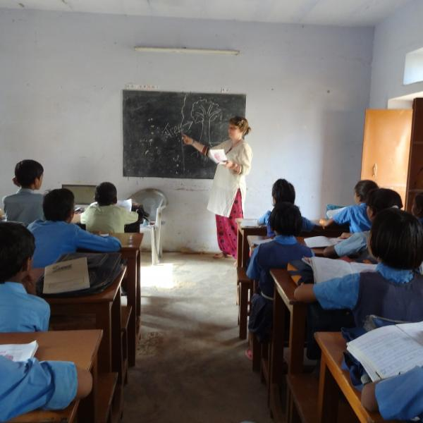 Teaching Program in India with Love Volunteers!