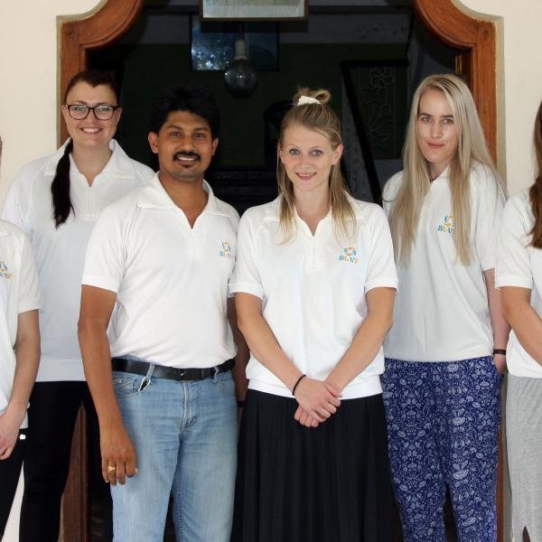 Volunteer with children in Sri Lanka and Teach English in Government schools