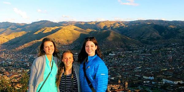 ISA Service-Learning participants in Cusco, Peru
