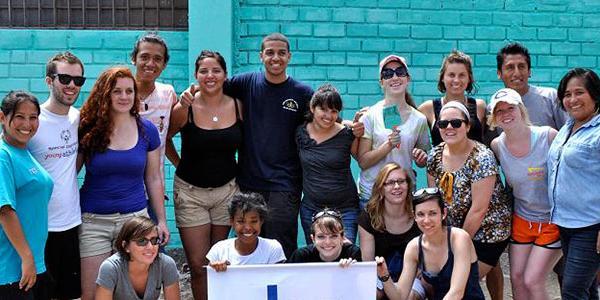 volunteer-group-project-lima-peru-latin-america
