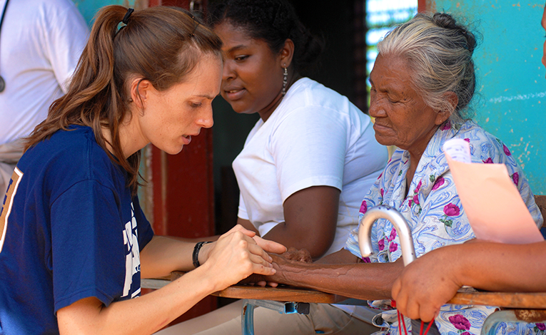 Volunteer with Project for Hope working with women in Nicaragua
