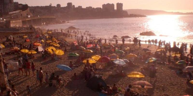 Tourists on a Viña del Mar beach in Chile.