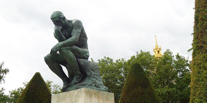 Rodins Penseur contemplates what every student studying in Paris should know!