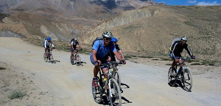Mountain Biking from Leh to Manali.