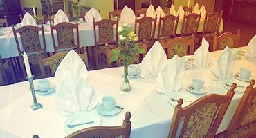 Dining table formal set-up