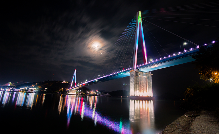 Yeosu-si South Korea  City pictures : Bridge in Yeosu si, South Korea at night