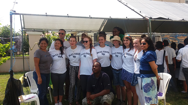 Volunteers promoting environmental sustainability in Belize