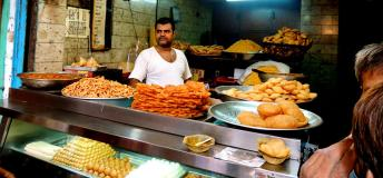 Street food vendor in New Delhi