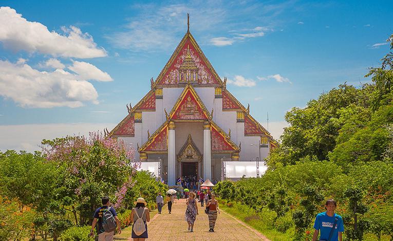 opulent Thai Temple