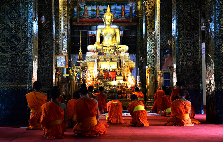 Chanting in Buddhist temples with the novice monks